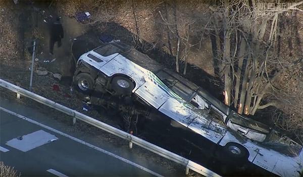發生在今年1月的輕井澤滑雪巴士轉落事故,當時造成15人死亡、26人輕重傷的悲劇,從媒體所拍攝的空拍畫面可以看到,肇事現場的慘狀(圖片來源:作者提供)